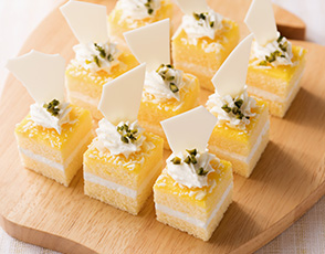 レモンカスタードのケーキの写真