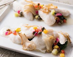 白身魚のヴァプール ツブ貝と茸のガーリック風味の写真