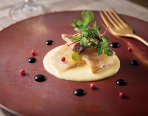 甘鯛のクロッカン バルサミコとオランデーズソースの写真