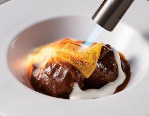 牛肉のラグー チーズの軽いグラチネの写真