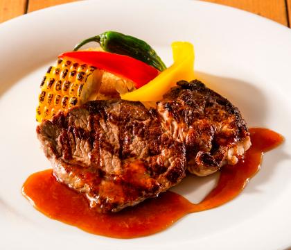 牛肉のグリルステーキ おろしソース